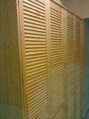 шкаф из дверей жалюзи - foto 10