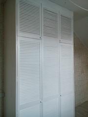 Шкаф стенка из жалюзийных дверей - foto 0