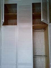 Шкаф стенка из жалюзийных дверей - foto 1