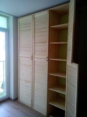 Встроенный шкаф- стенка из жалюзийных дверей в детскую комнату - foto 0