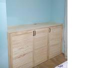 Комплект из встроенного шкафа и комода из жалюзийных дверей - foto 0