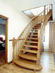 Двери и лестницы из натуральной древесины. - foto 0