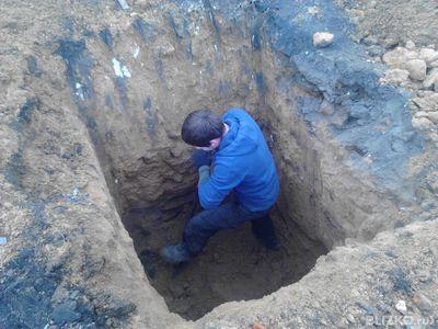 Земляные работы вручную,  Копка земли вручную  Киев,  киевская область  - main